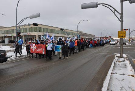 Grève des employés de l'État:300 syndiqués marchent sur Laure