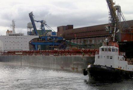 Port-Cartier: Une surveillance inadéquate mise en cause pour le heurt d'un brise-lames