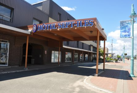 L'Hôtel Sept-Îles vendu