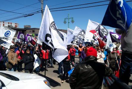 Journée internationale des travailleurs:Plusieurs syndicats manifestent «pour un revenu décent»