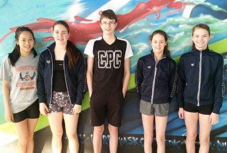 Bezeau et Vigneau remportent chacune une médaille d'argent au Championnat provincial AAA de natation
