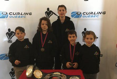 Jauron récolte le bronze au Championnat de curling Tic Tap Toc