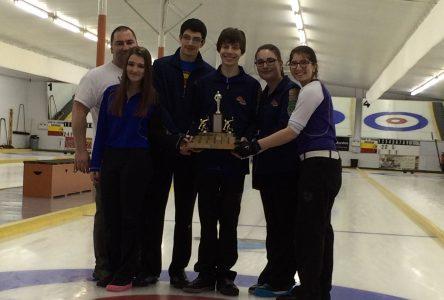 Les juniors du curling de la Côte-Nord triomphent à Alma
