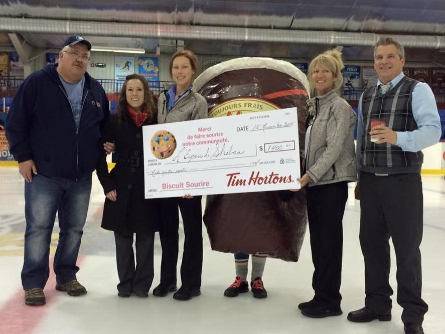 Campagne biscuits sourire:Tim Hortons remet 1400$ à l'Espoir de Shelna