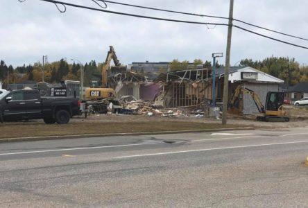 La démolition d'un restaurant était attendue depuis longtemps