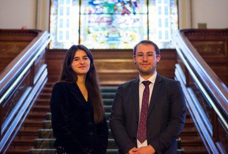 Deux Nord-Côtiers débattent au Parlement étudiant du Québec