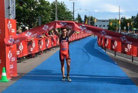 Triathlon: Charles Paquet rafle le titre de champion canadien