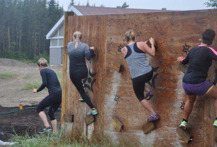 Course à obstacles: Une soixantaine de coureurs pour le défi Pakatakan-Meshkanau