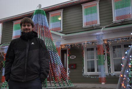 Voici l'histoire de la maison de Noël de la rue Holliday dont tout le monde parle