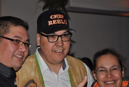 Mike McKenzie réélu chef de Uashat mak Mani-Utenam