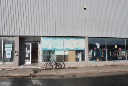 Friperie Le Cintre: Relocalisation ou fermeture?