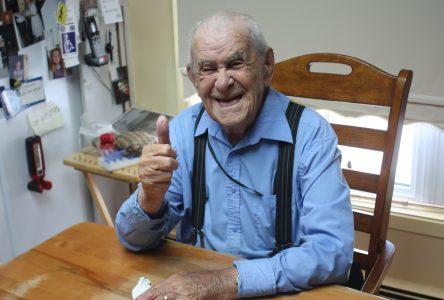 Rivière-Brochu : à 100 ans, il vit chez lui 100% autonome