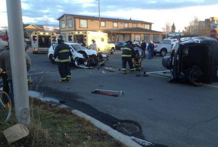 Grave collision au coin Smith-de Quen