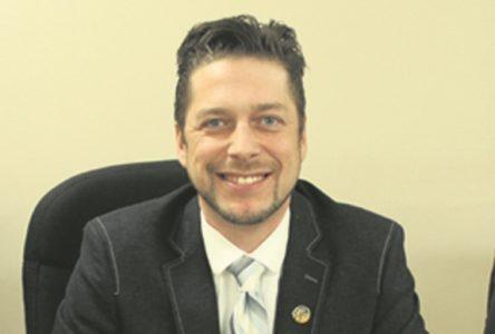 La pétition pour empêcher un élu municipal jugé responsable d'agression sexuelle de siéger est déposée
