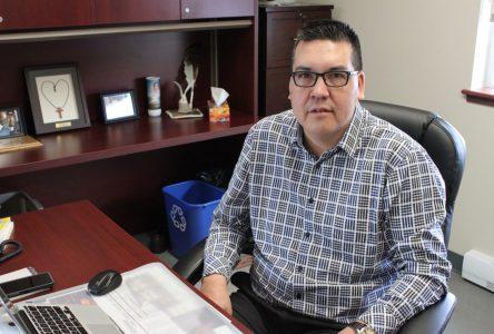 Le chef Mike McKenzie se défend d'allégations à son endroit