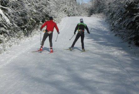 La Petite Expé permet du ski de fond gratuitement pour les jeunes au Club Rapido