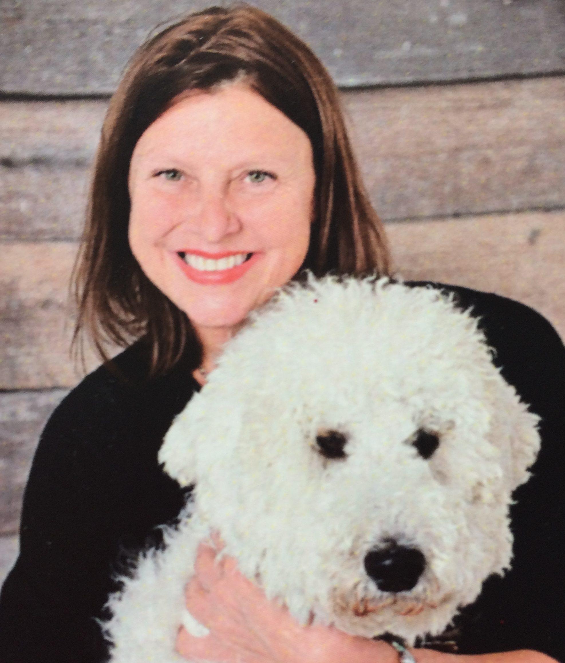 École du Boisé: La directrice complète une formation intensive en zoothérapie