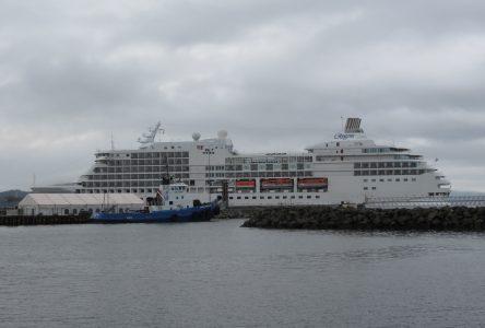 Le Regent Seven Seas Navigator est à Sept-Îles