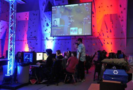 Plus de 200 gamers s'affrontent au SLAN Révolution