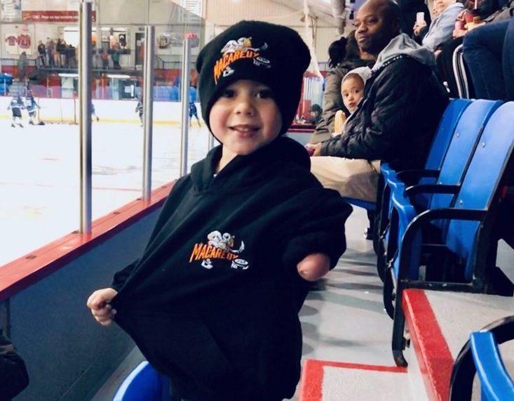 Éloi Vigneault, un petit passionné de hockey