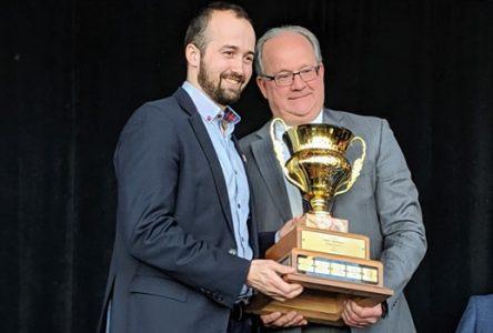 Étienne Fortier remporte le trophée John-Horman