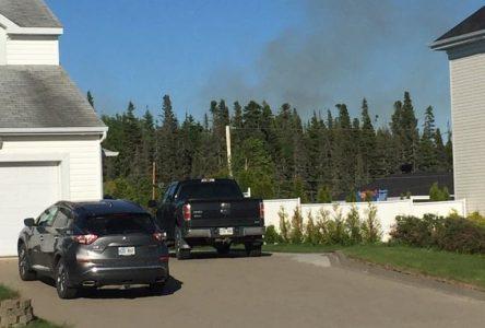 Un feu de forêt fait rage à Baie-Comeau