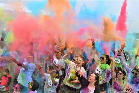 La Course aux couleurs rapporte 5 650$ à l'Envol