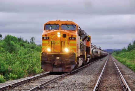 Déraillement d'un train de QNS&L en 2018 : une accumulation de corrosion serait la cause