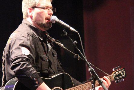 Le prix Étoiles Stingray décerné à Nick Beaudin au Festival Western de St-Tite