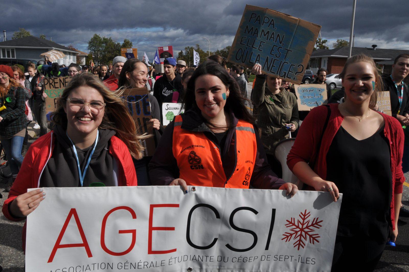 Près de 200 personnes marchent pour le climat à Sept-Îles