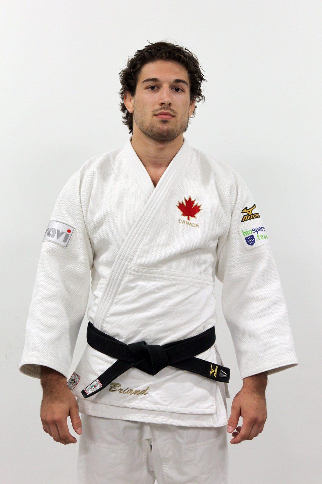 Étienne Briand reçoit 4 000 $ de la Fondation de l'athlète d'excellence