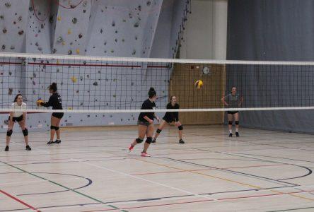 Volleyball collégial : portrait intéressant chez les filles