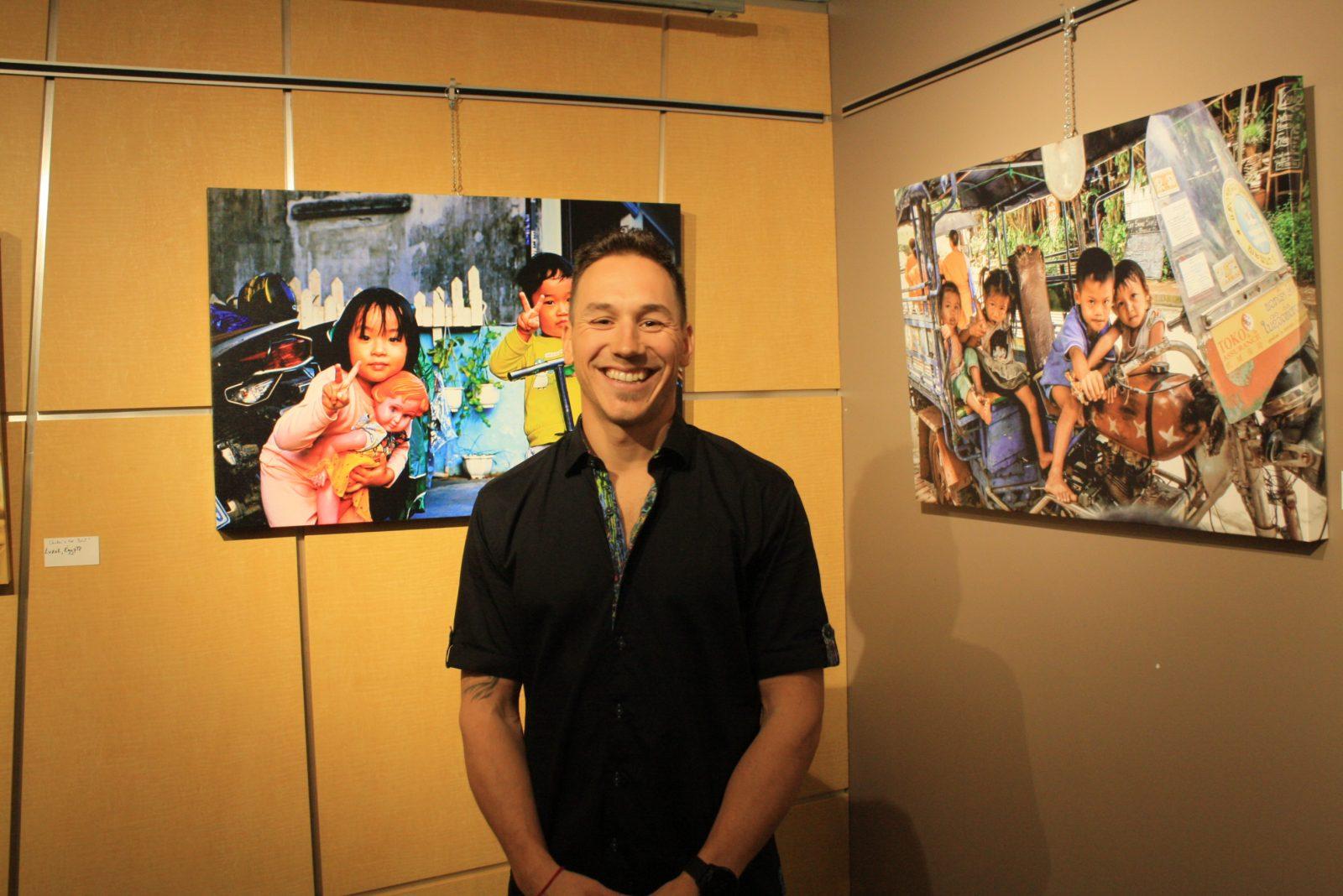 Jonathan Lambert, un artiste voyageur qui expose à la salle l'Aquilon