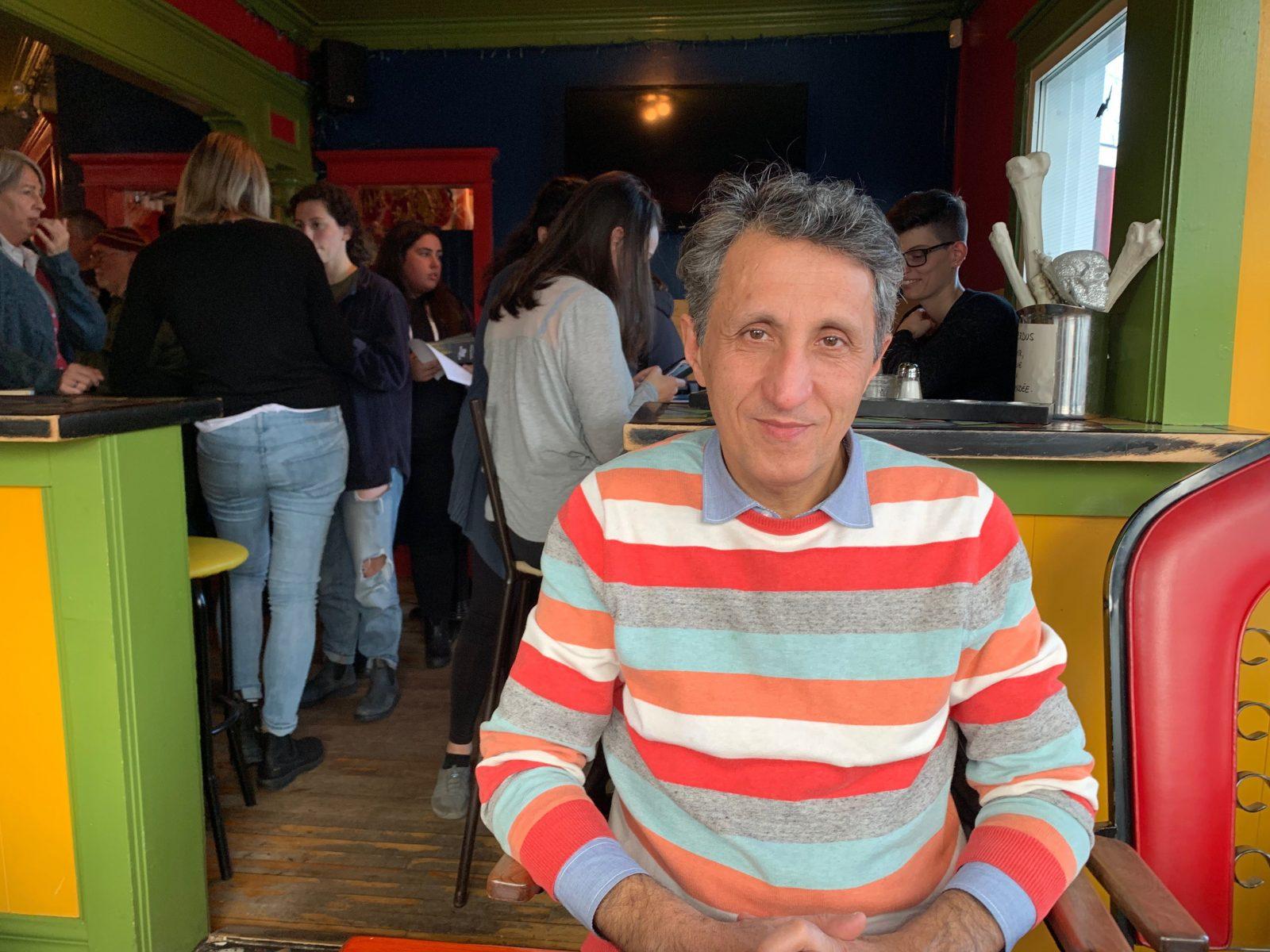 Ultimatum 2020: Amir Khadir en visite à Sept-Îles