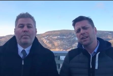 Coincés à Baie-Sainte-Catherine, des députés interpellent le ministre des Transports