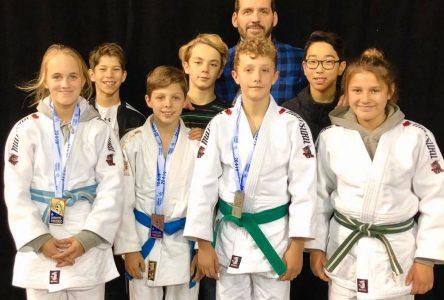 Sept athlètes de l'Académie de judo de Sept-Îles sur le podium à l'Omnium du Québec