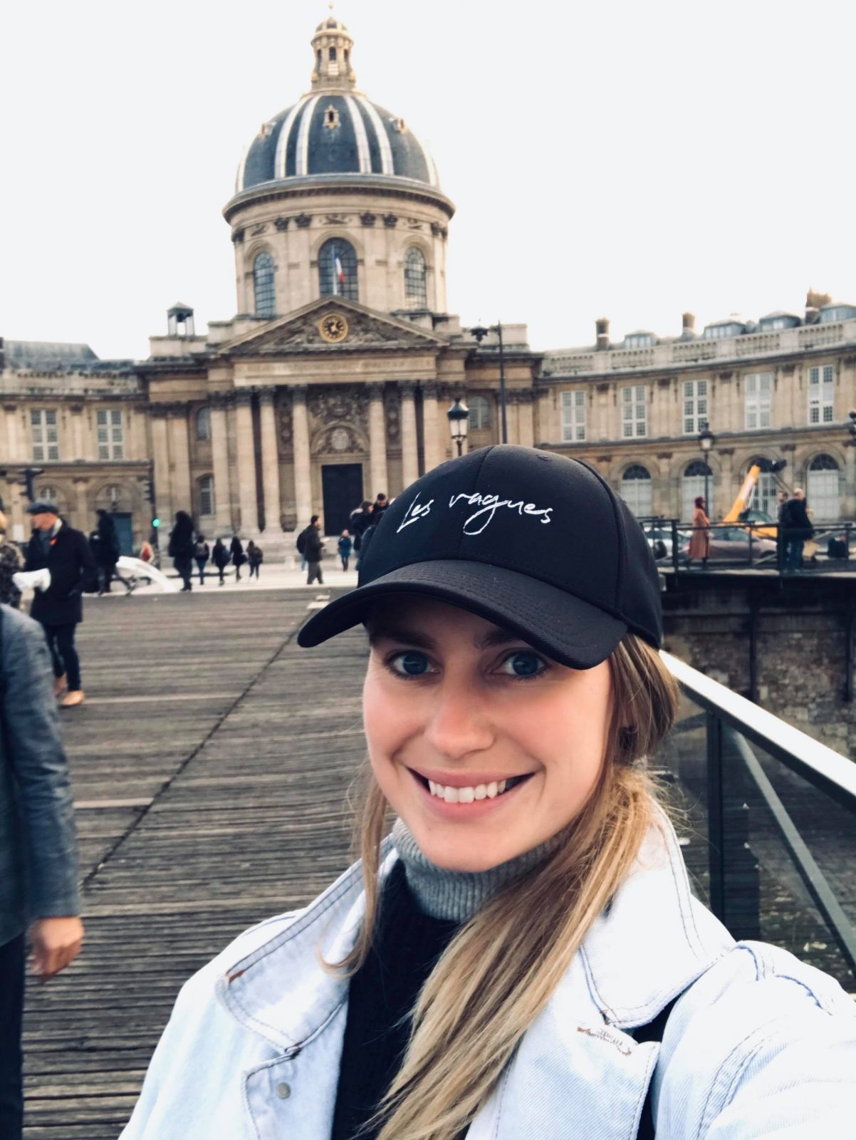 Deux jeunes entrepreneurs de retour de France
