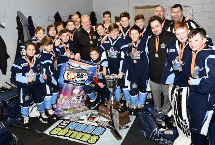 Hockey mineur: les Nord-Côtiers triomphent au tournoi pee-wee de Jonquière
