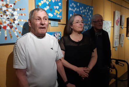 Au cœur de l'Alzheimer : le talent de personnes atteintes mis en lumière dans une exposition