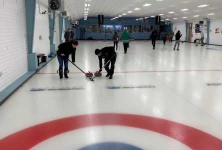 Le curling continue d'être populaire chez les Innus