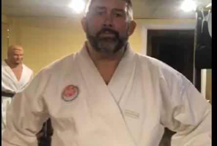 Il n'y a aucune raison de ne pas pouvoir s'entraîner à l'Institut de karaté Shotokan de Sept-Îles