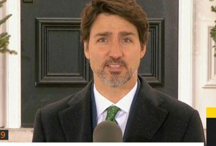 COVID-19 : Ottawa s'entend avec trois entreprises pour le matériel médical