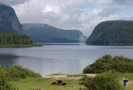 Le travail se poursuit dans le dossier du parc national au Lac Walker