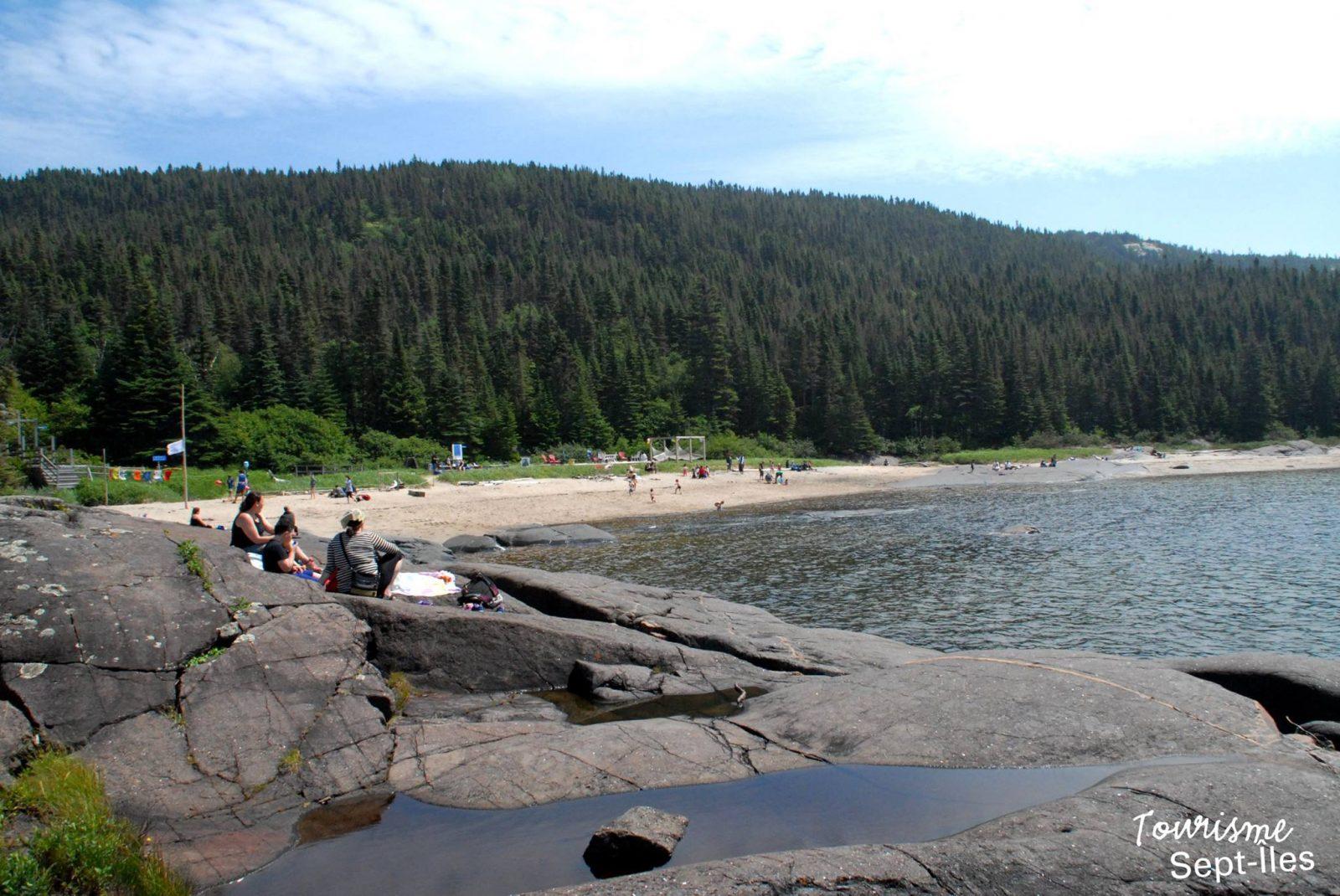 L'île Grande Basque, le Centre de plein air du lac des Rapides et la Cabane à pêche pour lancer juillet