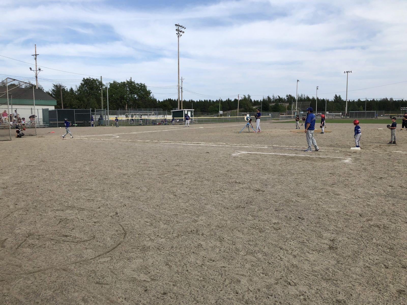 Les joueurs de baseball de la Côte-Nord s'affrontent