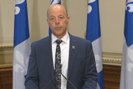 Transport aérien : le Parti québécois redemande la tenue d'une commission parlementaire