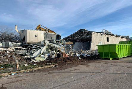 Réserve navale NCSM Jolliet : l'ancienne salle intérieure de tir est démolie