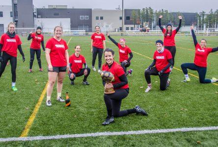 Ligue de touch football de Sept-Îles: l'histoire des Rouges et de Brasco pour les finales