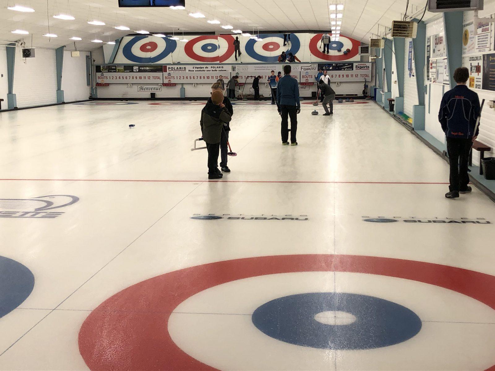Club de curling de Sept-Îles : le premier tournoi de la saison passe le test