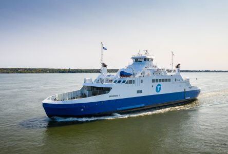 Navigation difficile : le <i>Saaremaa I</i> déclare forfait mardi
